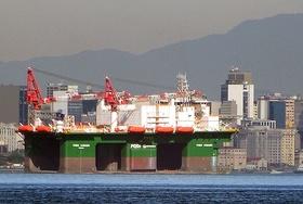 Plataforma semisubmersível POSH Xanadu chega à Baía de Guanabara